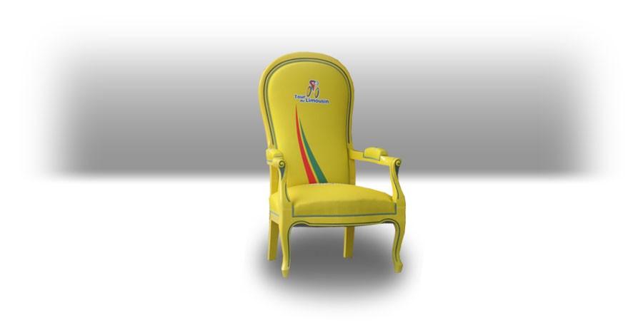 Chaise<br/>Chaise en bois avec tissu sublimé.