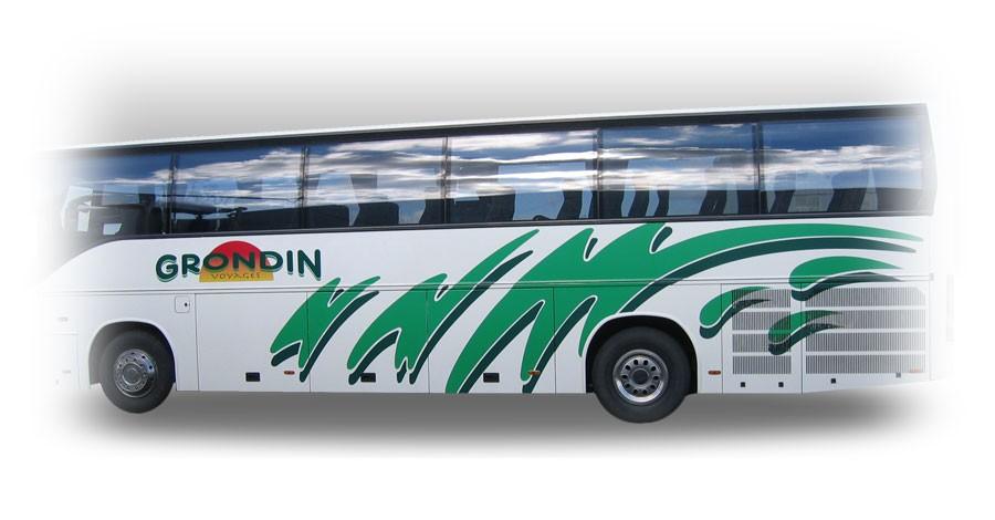 Vehicule Grondin<br/>Habillage en lettres découpées adhésives